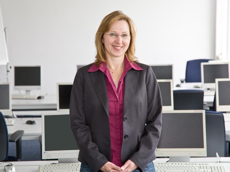 Organisationsassistentin  Firmen- und Praktikumsbetreuung Rita Stolfig
